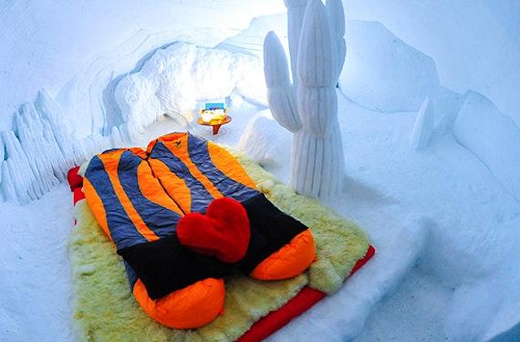 Romantische Iglu-Übernachtung auf der Zugspitze für 2
