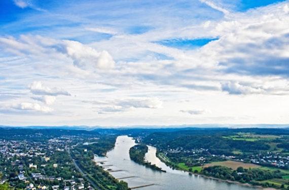 Heli-Stadionrundflug übers Rheinland
