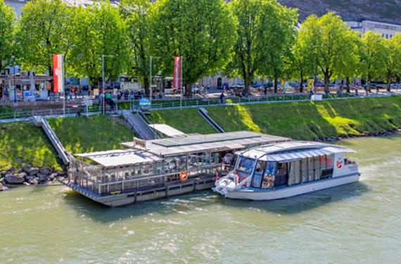 Schifffahrt & Konzertdinner in Salzburg für 2