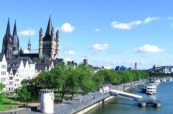 Stadtführung, Schifffahrt & Dinner Köln für 2
