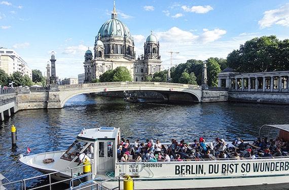 Schiffsrundfahrt in Berlin (1 Stunde)