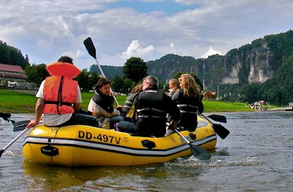 Schlauchboottour durch die Sächsische Schweiz