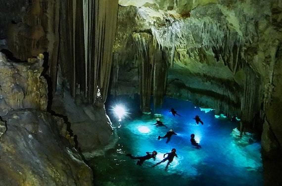 Abenteuer- und Schnorchelausflug in der Piratenhöhle auf Mallorca