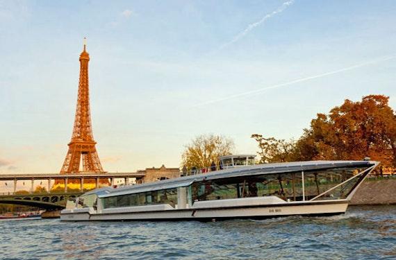 Bootsfahrt auf der Seine mit Dinner