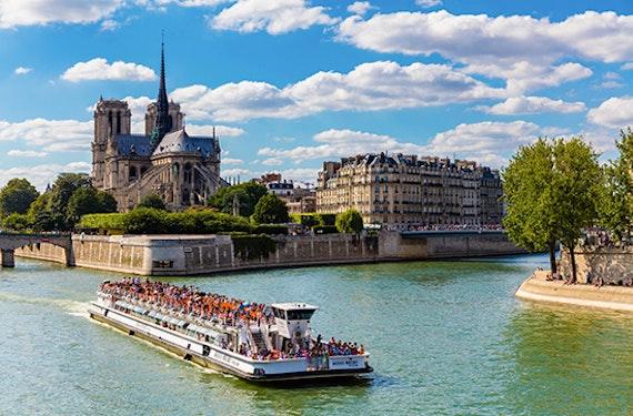 Sightseeing-Bootstour durch Paris