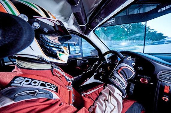 Audi R8 vs. Porsche 911 Simulator-Duo in Berlin für 2 (30 Min.)