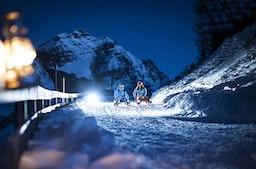 Kurzurlaub mit Rodeln & Skifahren bei Nacht in Tirol für 2