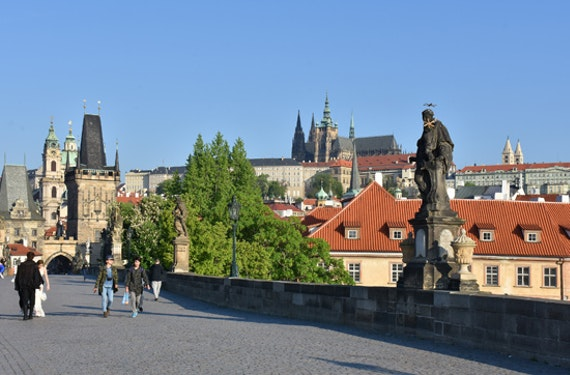 Stadtführung mit Bootsfahrt & Mittagessen in Prag