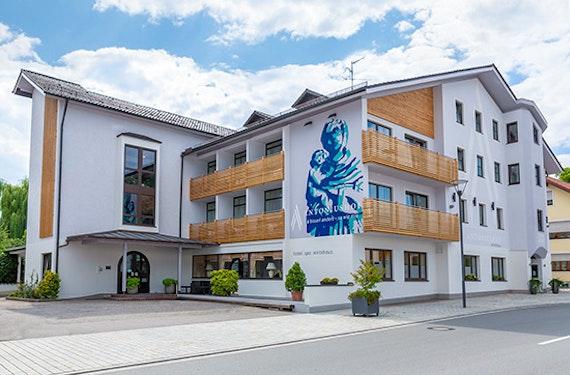 Übernachtung in der Spa-Suite & Dinner bei Passau für 2