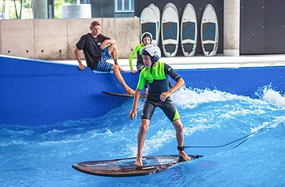 Indoor Surfen (Kinder bis 14 J.) - Arena München