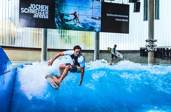 Surfkurs in der JS Arena (Alle Level)