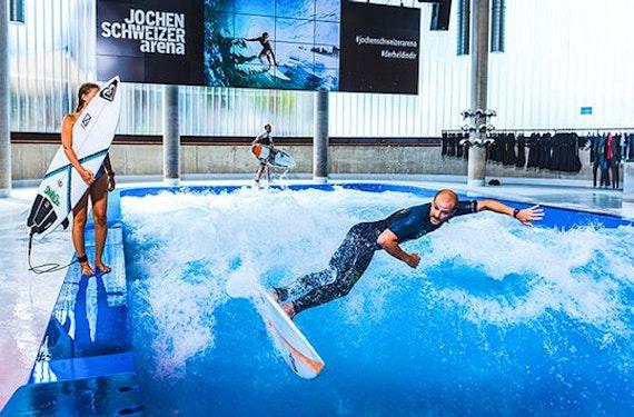 Surfkurs in der JS Arena (Profis)