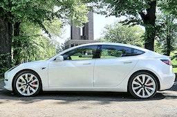 Tesla Model 3 mieten Burg (Spreewald)