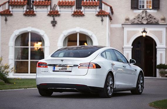Tesla Model S P85 fahren Raum Spielberg (1 Tag)