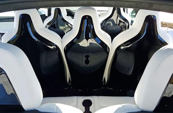 Tesla Model X Wochenende Raum Basel