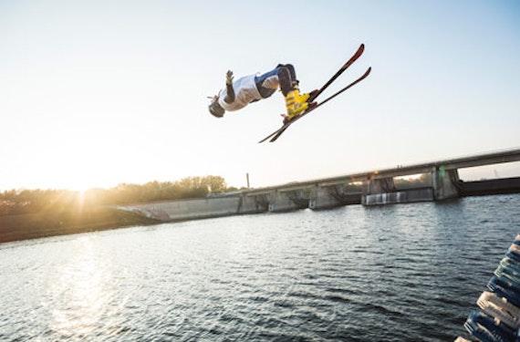 Ski- & Snowboard-Waterramp für Könner in Wien