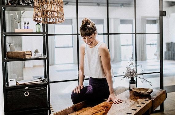 Stretch & Tone Pilates Online (50 Min.)